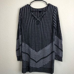 New Directions Black & Gray Tunic Size L